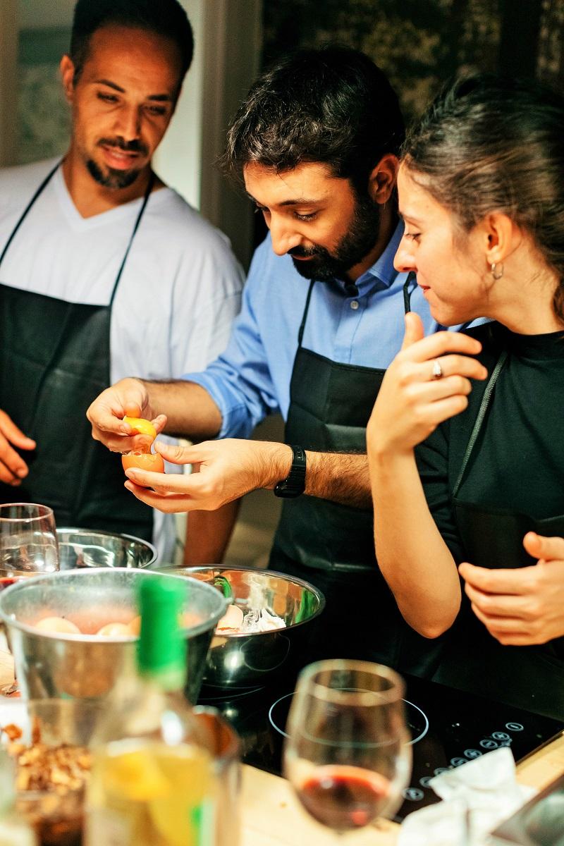 Clases de cocina team building para grupos de empresa y for Clases particulares de cocina